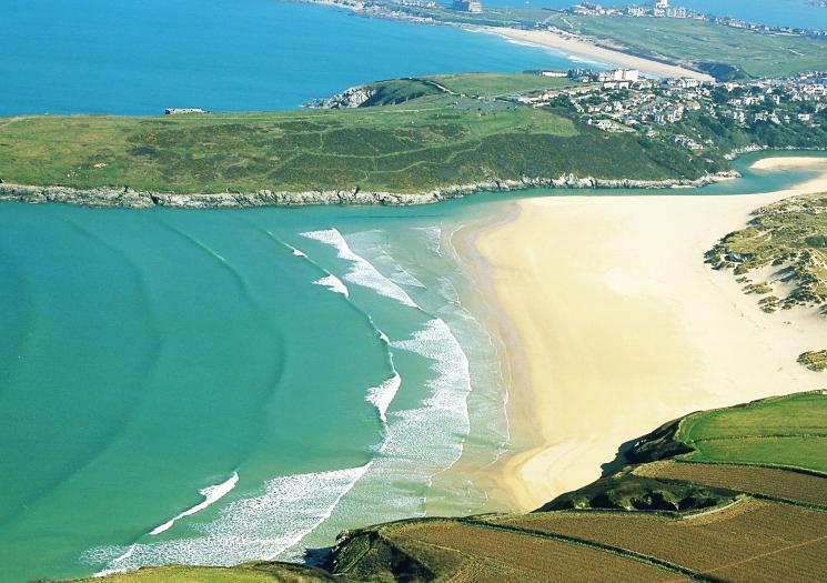 North Cornwall Beaches - Crantock Beach, a dog friendly beach in North Cornwall