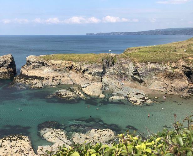 Port Gaverne Dog Friendly Beach North Cornwall - a beautiful rocky Cornish beach
