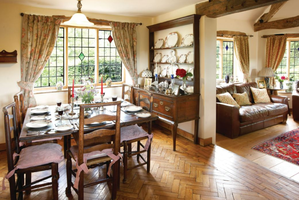 Long Cover, Kyre, Tenbury Wells, Worcestershire, England. Enjoy a rural retreat in dog friendly accommodation.