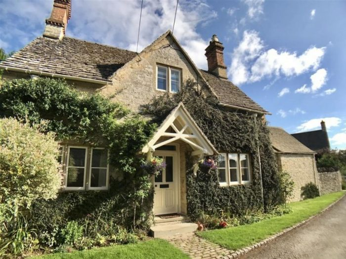 Manor Dog Friendly Cottages, The Cotswolds