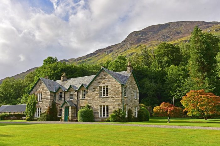 South Chesthill Estate, dog friendly accomodation,Glen Lyon, Perthshire