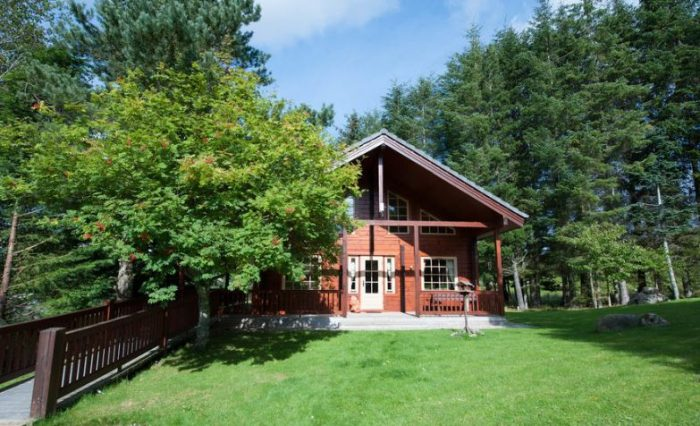 Wildside dog friendly Highland Lodges near Loch Ness