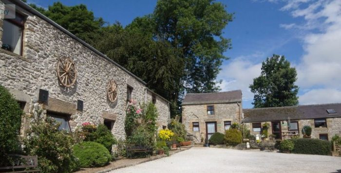 Bolehill Dog Friendly Farm Cottages, Peak District