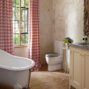 Bathe in style in this vintage style but thoroughly modern luxury bathroom from Rural Retreats Dog friendly holiday cottages, UK
