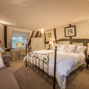 A beautiful, traditional holiday cottage with beams in Suffolk