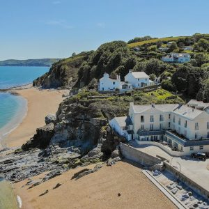 A beautiful holiday apartment with Luxury Coastal Cottages right on the beach overlooking the Devon, Cornwall and Somerset coastal route
