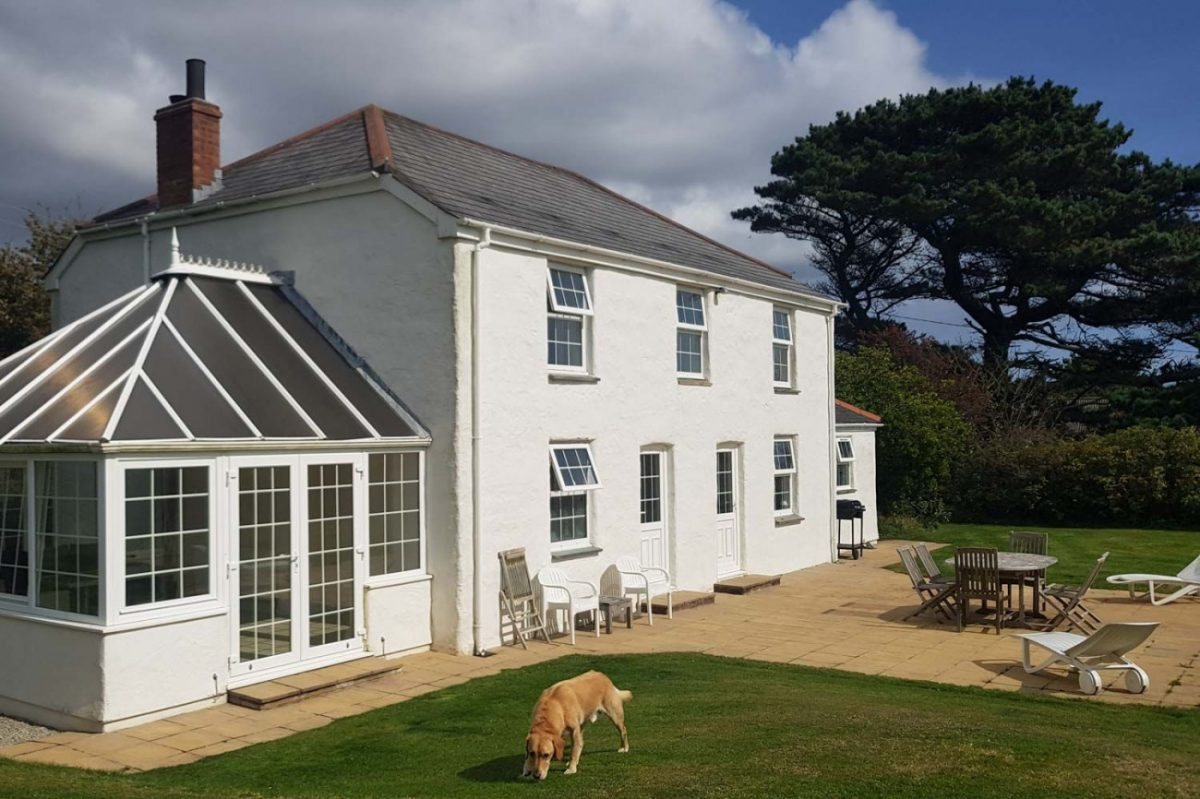 Meadow House Dog Friendly Holiday Cottage, Port Scatho, Cornwall