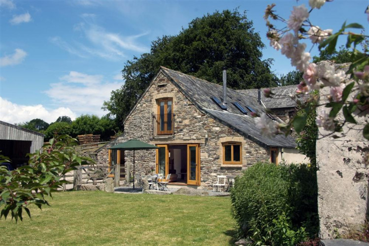 Comfortwood Dog Friendly Holiday Cottage